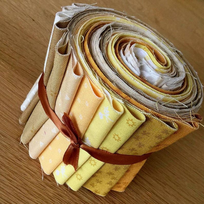 """BIJOUX COLLECTION Mini Jelly Rolls by Makower Quilting Fabric Strips 2.5/"""""""