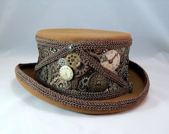 e4cc413f525b2 Steampunk derby hat with key and keyhole centerpiece