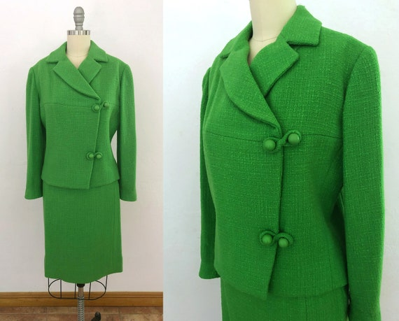 vintage 1950s 2 piece wool boucle skirt suit | xs