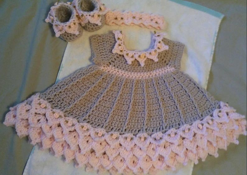 Crochet pink and gray baby dress set with rosebuds comes with  c6c9952391c1