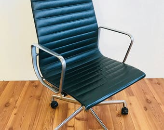 Herman Miller Eames Aluminium Group Stühle In Jade