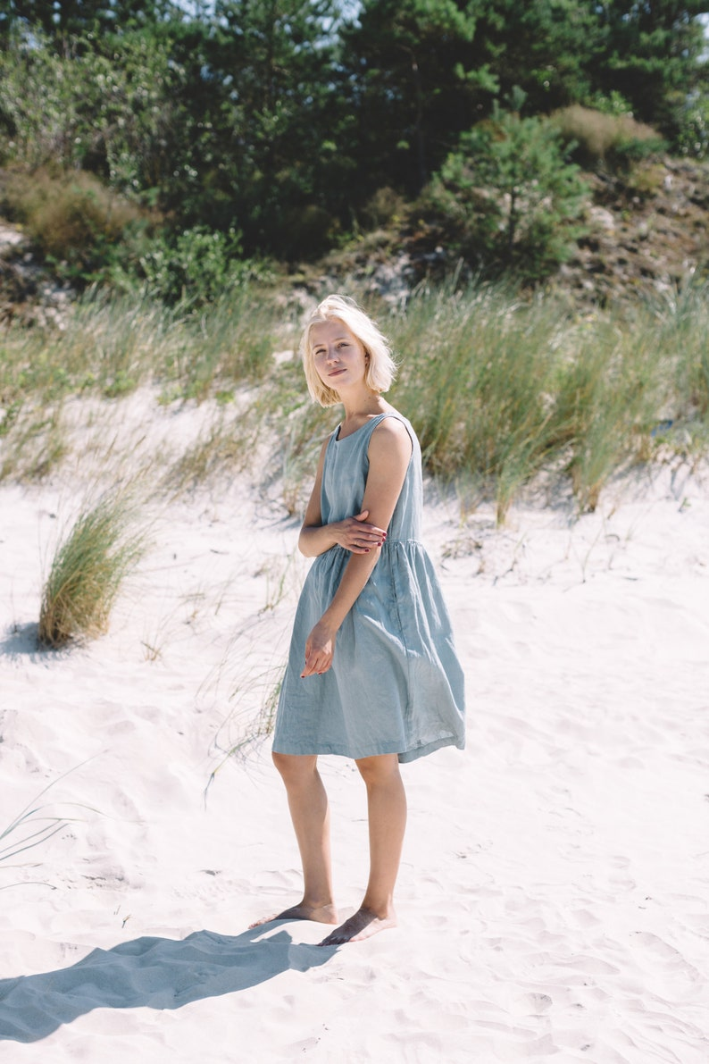 Dana dress / Smock dress / Basic linen dress / Loose linen dress from Foxlinen. #linendress #dresses #tunics #bluelinen #fashion