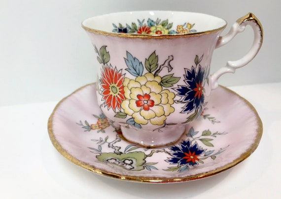 Pink Paragon Teacup and Saucer, Oriental Series, Sung Pattern, Paragon Sung, Antique Teacups Vintage, Antique Tea Cups Vintage, Paragon Trio