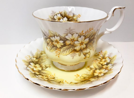 Duet by Royal Albert Tea Cup and Saucer, Montrose Shape, Melody Series, Vintage Tea Cups Antique Teacup, Bridal Shower Gift, Floral Tea Cups
