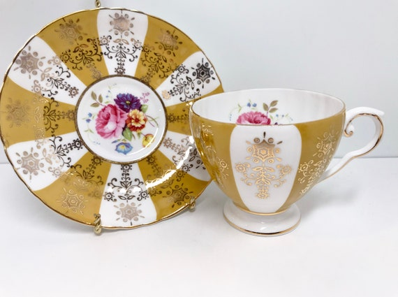 Royal Grafton Teacup and Saucer, Antique Teacups Vintage, Pinwheel Teacups, Hand Painted Teacups, Floral Teacups