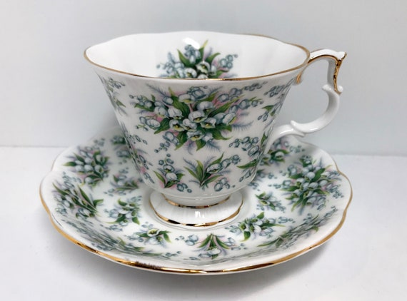 Royal Albert Teacup and Saucer, Lambeth Pattern, Nell Gwynne Series, Lily of the Valley Tea Cup, Tea Cups Vintage, Floral Tea Cups