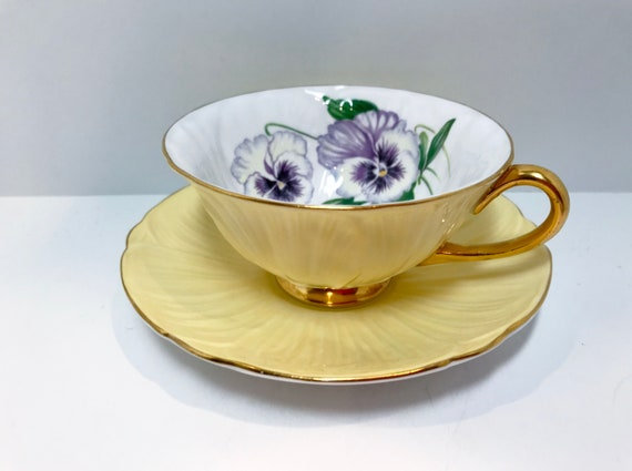 Shelley Pansy Teacup, Shelley China, Shelley Floral, Antique Tea Cups Vintage, Shelley Oleander, Yellow Shelley Teacups, Teacups Vintage
