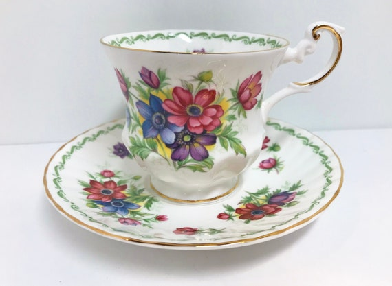 Queens Rosina Tea Cup and Saucer, Anemone Pattern, Made in England, Antique Tea Cups Vintage, English Tea Cups, Floral Tea Cups