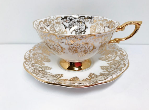 Royal Standard Teacup and Saucer, Gold Teacups, Vintage Teacups Antique, Teatime Teacups, Vintage Tea Cups Antique