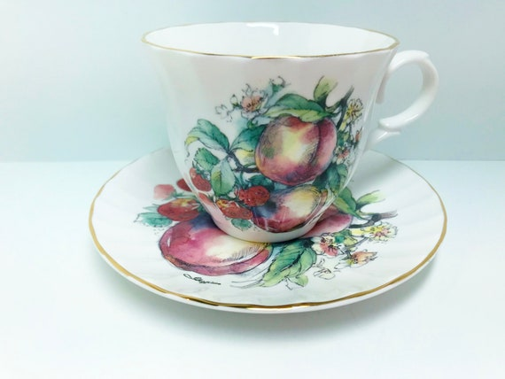 Royal Grafton Tea Cup and Saucer, Peaches Strawberries Tea Cup, Antique Teacup, English Bone China Cups, Antique Tea Cups Vintage