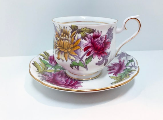 Royal Albert Tea Cup, Flower of the Month, November Birthday Flower, Hand Painted Tea Cup, Antique Tea Cups Vintage, Chrysanthemum Cup