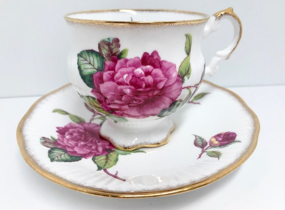 Royal Crest Teacup and Saucer, English Bone China Cups, Vintage Teacup, Teatime Teacup, Vintage Tea Cups