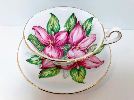 Pink Trillium Teacup, Royal Stafford Teacup and Saucer, Pink Flower Cups, Antique Teacups, English Bone China, Floral Teacups Vintage