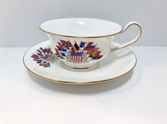 Wedgwood Teacups, WW2 Tea Cup, World Flag Teacup, Antique Tea Cups Vintage, Wedgwood China, Antique Teacups, WW2 Peace Accord, X9665