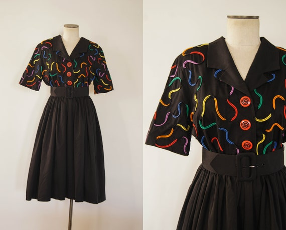 vintage 1980s dress / 80s rainbow squiggle shirtdr