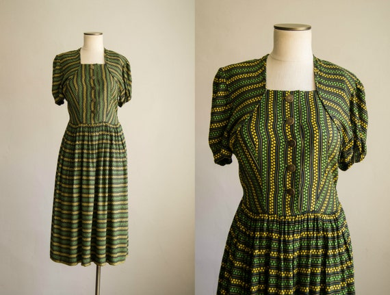 vintage 1940s dress / 40s rayon jersey novelty pri