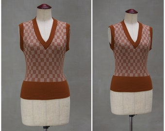 Vintage tank top, 1970's sleeveless sweater, Tan/cream knitted vest with geometric design, Ladies slim fit knitwear / pullover, hippy / boho