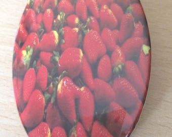"""magnets / Fridge Magnet: """"strawberries"""""""
