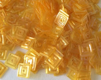 Iridescent square glitter yellow 6 mm in bulk