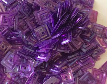 Iridescent square glitter purple 6 mm in bulk