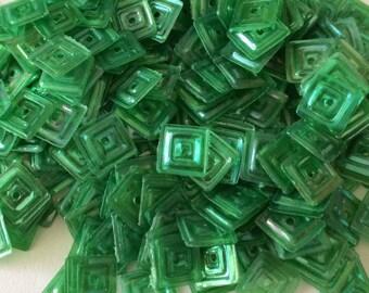 Iridescent square glitter green 6 mm in bulk