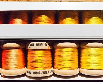 Pack of discovery beaded yellow silk