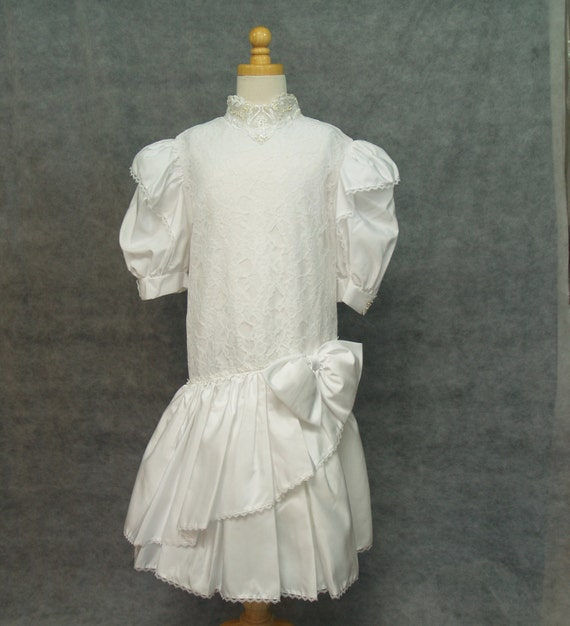Vintage First Holy Communion Dress White Size 8 1/2 PLUS SIZE Girls Gown,  Victorian, Drop Waist,Puff 3/4 Sleeve, 80s, Retro Wear, Size 14