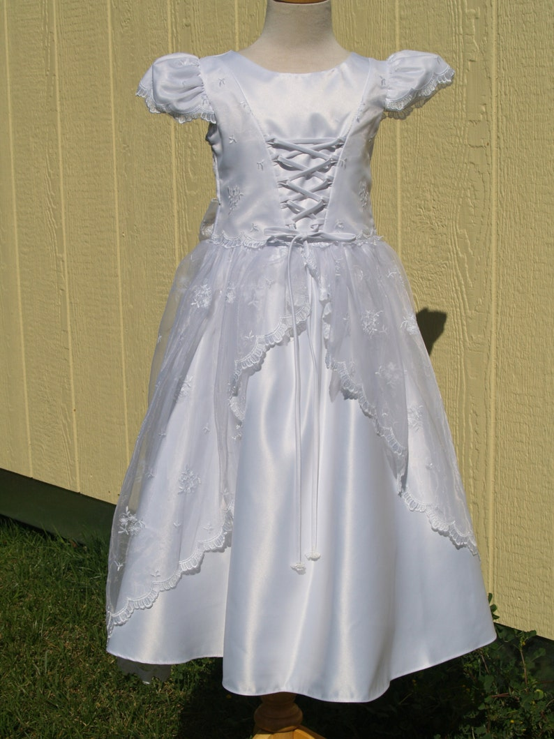 ba400071cf8a Girls Vintage White Embroidered Dress Size 4 Flower Girl