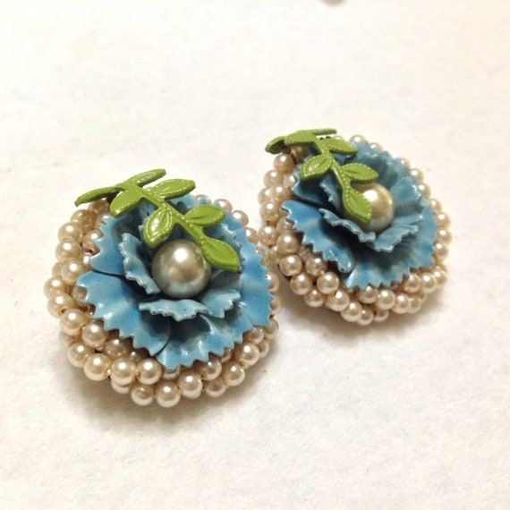 Vintage Coro Periwinkle Blue Glass and Seed Pearl… - image 2