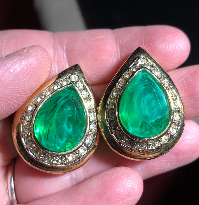 Vintage KJL Kenneth J Lane Flawed Emerald Teardrop Clip On Statement Earrings WOW