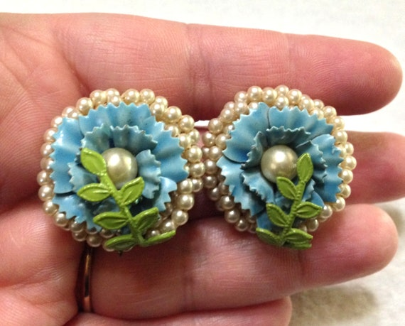 Vintage Coro Periwinkle Blue Glass and Seed Pearl… - image 3