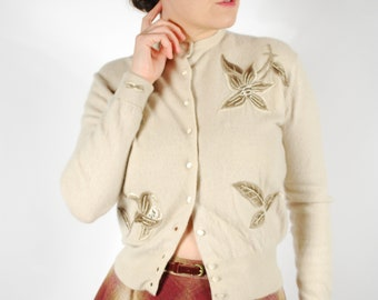 Vintage 1950's Embroidered Cardigan - 50's Cashmere Sweater - Size S/M