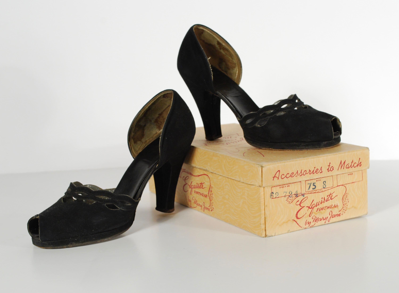 08c7e6a8a0a8d Vintage 1940's Platforms - 40's Black Suede Heels - U.S. Size 8 - As Is