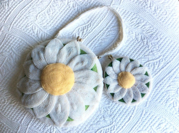 DeLill beaded flower hand bag purse  Daisy 1960s - image 2