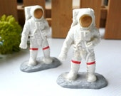 miniature ASTRONAUT With Jetpack Space Plastic Figures Figurines Doll House Supplies Small Toy Craft Supply Jewelry Make(M-08)