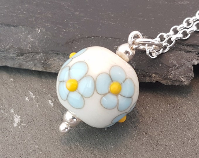 Featured listing image: Posy Necklace - Daisy
