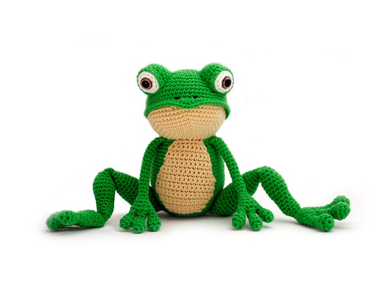 Crochet pattern Frog  amigurumi  instant download pdf image 0
