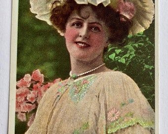 Antique Photographic  Postcard  Edwardian Actress - Miss Marie Studholme - c 1906