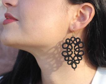 Black lace delicate earrings//lace earrings//tatted earrings//lace jewelry//black earrings//tatting lace frivolite//fabric jewelry