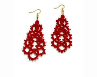 Red tatted lace earrings//tatting lace//statement jewelry//contemporary jewelry//frivolite//red earrings//Tatted jewelry