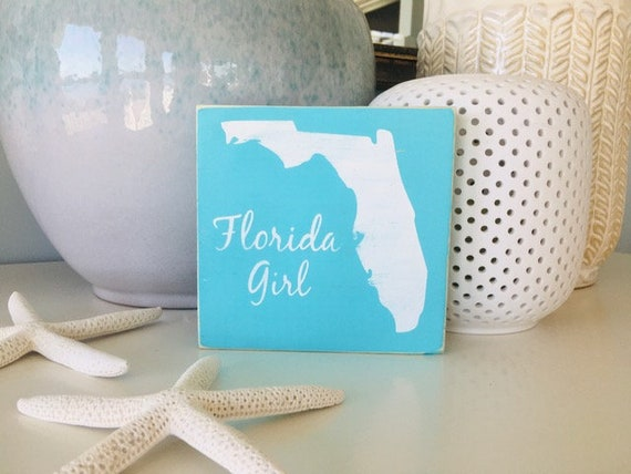 Florida Girl Beach Wood Sign ~ Distressed Wood Shelf Sitter ~ Tampa ~ Keys ~ Shore ~ Sarasota ~ Disney ~ Coastal Wall Decor