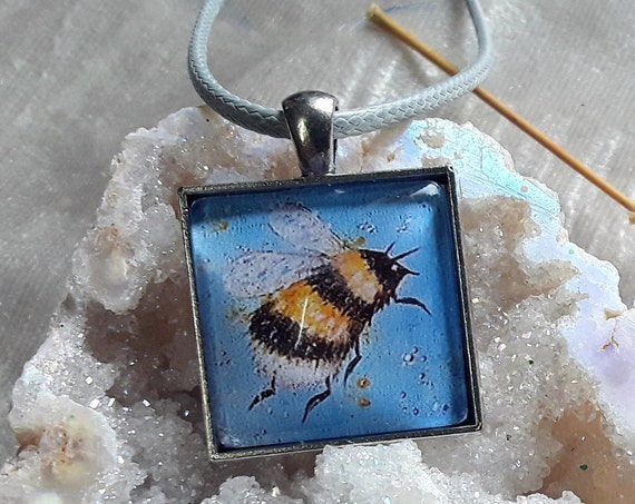 Bee necklace - Bumblebee Pendant - Cute Bee - Bee Jewellery - Bee Art - Bee Gift