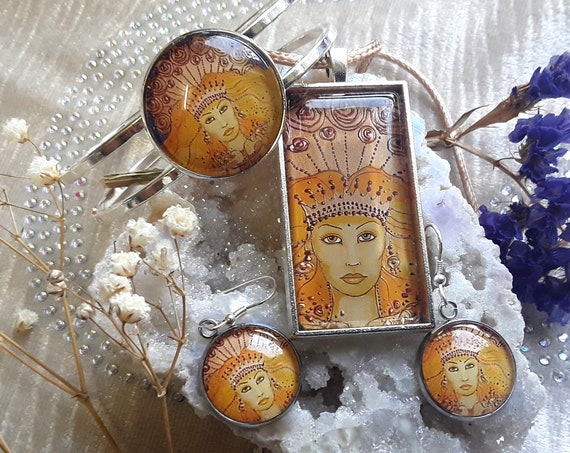 Sun Goddess Jewellery Set - Goddess pendant - goddess bangle - goddess earrings - pagan - wicca