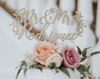 Rustic wedding cake topper, Custom Mr and Mrs cake topper, Name cake topper, Rustic cake topper, Romantic wedding