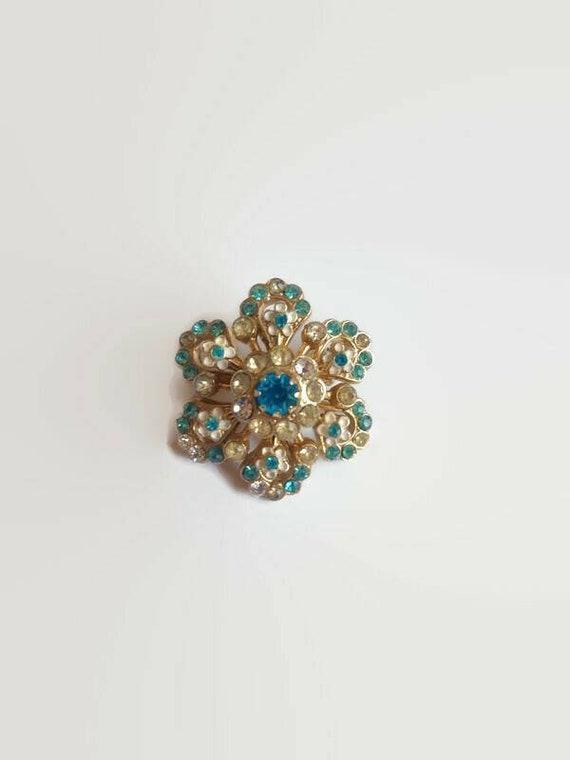 Coro Rhinestone Flower Brooch - vintage crystal