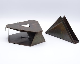 Amsterdam School Design hot plate and napkin holder, art deco hammered copper hot plate and napkin holder