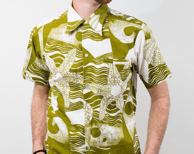 Vintage Hawaiian Shirt Button up Abstract Green and White Short Sleeve Beach Starfish / Men's Medium / Made in Honolulu for Ross Sutherland