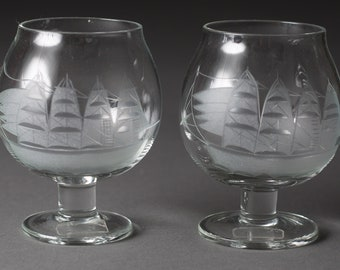 2 Vintage Brandy Glasses - 4.5oz Etched Sailing Ship Glasses - Retro Apéritif / Cocktail Bluenose Glasses with Etched Nautical Boats -