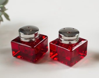 Ruby Red Square Vintage Glass Salt and Pepper Shakers - Mothers Day Gift - Gift for Grandma - Gift for Mom - Christmas Table Decor