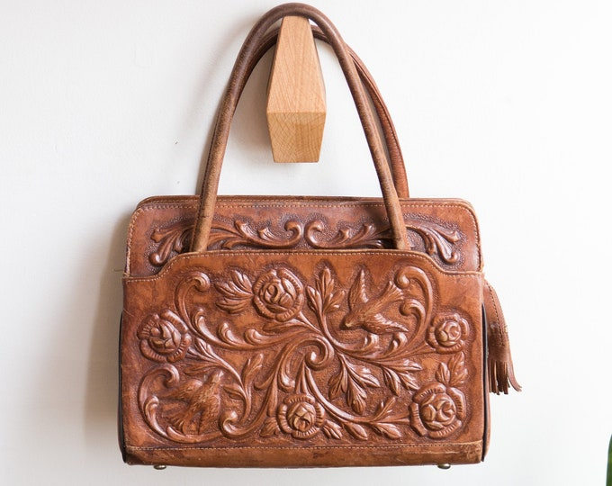 Brown Leather Purse - Vintage 1960's Mexican Tooled Leather Boho Bag with Floral Pattern - Stylish Ornate Design Zipper Bag